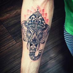 Ganesha! Tattoo pelo nosso artista  @caiocarvalhotattoo  #vempramadame #tattoo #tattooed #ganesha #ganeshatattoo
