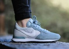 "Are you ready for the Nike WMNS Internationalist ""Dove Grey"" ladies!"