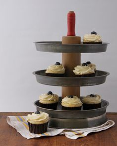 3 Tier Cupcake Stand from Repurposed Vintage Materials 3 Tier Cupcake Stand, Tiered Stand, Cupcakes, Cupcake Cakes, Pie Tin, Vintage Baking, Diy Projects To Try, Welding Projects, Cake Plates