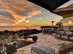 This 4,309-square-foot La Jolla gem will sweep you away with its unobstructed panoramic views of the ocean, bay and city, all the way to the Los Coronados Islands of Mexico.