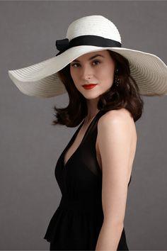 Love this!! black+white large brim hat.