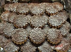 Orechová saláma obalená v kokose | NajRecept.sk Christmas Baking, Biscotti, Nutella, Food And Drink, Anna, Xmas, Cakes, Kuchen, Cake Makers
