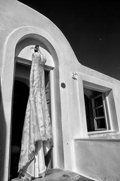 Wedding in Santorini bridal make up & hair- Νυφικό μακιγιάζ και μαλλιά Christine Panagopoulou Photography by olga-t.com