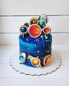 Спасибо всем за участие!!! Правильный ответ : 11 пряников, @rodina_julya первая ответила правильно и получает трайфлы (набор из 4 шт) полный правильный ответ : Солнце, Венера, Марс, Земля, Луна, Сатурн, Юпитер, Нептун, Уран, Меркурий, Плутон (его не видно, но он есть, он за планетой Нептун) так никто и не написал, поэтому сейчас каждому участнику я присвою номер и генератором случайных чисел определим победителя Всем удачи скрин номера в сторис