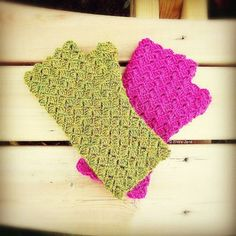 "100% alpaca crochet fingerless gloves, designed and handmade by © ElviraJane. Find my pattern in my Etsy shop ""ElviraJaneQ""  #crochet #crochetgloves #fingerlessgloves #fingerlessmitts #diycrafts #diycrochet #handmade #handcrafted #handmadechristmasgifts #handmadegifts #handmadechristmas #madeinuk #madeinsomerset #madewithlove #crochetpattetn #UKcrochetpattern #UScrochetpattern #ukdesigner #crochetdesigner #etsy #etsyseller #etsyshop  #independentdesigner #elvirajanecrochetdesigner"