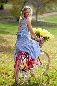 that bird label Maggie Wrap Dress Pretty Pansy Large Print - Womens Bicycle - Ideas of Womens Bicycle - that bird label Maggie Wrap Dress Pretty Pansy Large Print Womens Knee Length Dresses For everything but the girl Bicycle Women, Bicycle Girl, Old Fashioned Bicycle, Everything But The Girl, Bike Photoshoot, Bike Photography, Cycling Girls, Cycle Chic, Small Town Girl