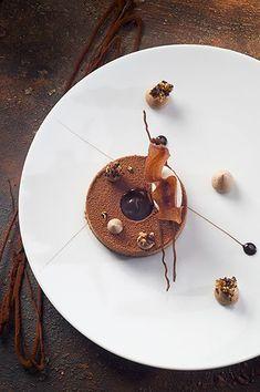 Chocolat équatorial en ganache, quinoa croustillant, coulis de cacao et glace au thé bergamote ©️️ Photos Thuriès Gastronomie Magazine, Pascal Lattes