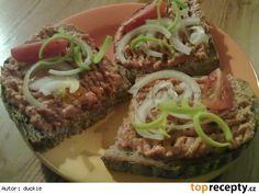 Výborná bulharská pomazánka No Salt Recipes, Cooking Recipes, Sandwich Cake, Party Snacks, Meatloaf, Food Porn, Food And Drink, Appetizers, Treats
