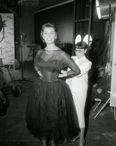 With Edith Head as the film's costume designer, it's no surprise that Sophia Loren had some amazing fashions.