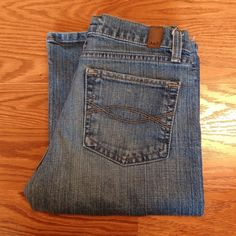 "Abercrombie Regular Wash Jeans Boot cut and in great shape! Design name is ""Emma"". 30"" low rise waist. 31"" inseam. Abercrombie & Fitch Jeans"