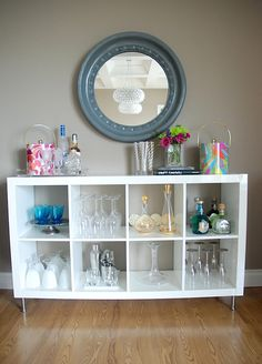#IKEAfurniturespotting_use Kallux shelving as a home bar