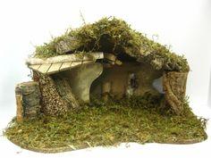 Nativity Pesebre Scene Empty Stable for 4 Figurines