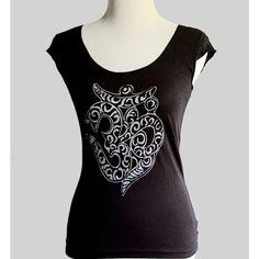 Women's T-Shirt Om Aum Sanskrit Ladies Scoop Neck Black Cap Sleeve... ($24) ❤ liked on Polyvore
