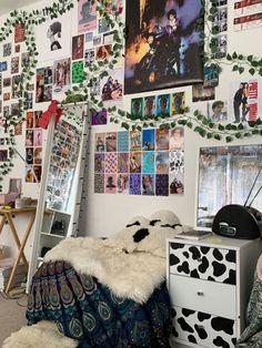 Cute Room Ideas, Cute Room Decor, Indie Room Decor, Boho Decor, Boho Diy, Retro Room, Vintage Room, Bedroom Vintage, Room Ideias