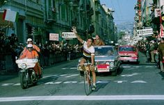 Milano-San Remo Eddy Merckx won the classic for the fifth time. He won this classic seven times. Bicycle Race, Bike, Monument Men, Cycling Weekly, Cycling News, Vintage Bicycles, Racing, Sport, News Latest