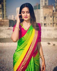 Kk i know mai bahar gum tha hu lakin i study n respect u yarrr this really i don't want to talk u i am really sad now Beautiful Girl Indian, Most Beautiful Indian Actress, Beautiful Saree, Beautiful Women, Beautiful Gorgeous, Saree Look, Indian Beauty Saree, Indian Sarees, Silk Sarees