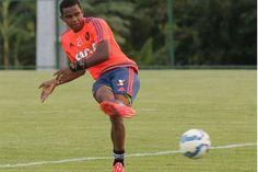hhttp://www.ogol.com.br/news.php?id=187690  Sport anuncia renovação com Rithely