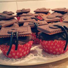 backen, Muffins, Lakritze, Keks, Schokoloade, Doktorhut, Masterabschluss, feiern Das Rezept gibts auf: www.maimaldrei.wordpress.com