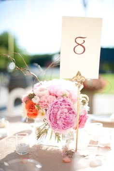 don't know if this is what it is, but infinity sign for centerpieces.