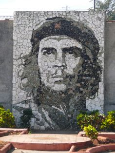 Che Guevara mosaic mural | Matanzas, Cuba    // love the texture on this //