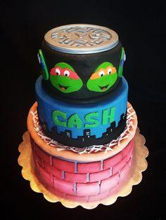 Love this super impressive Ninja Turtles birthday cake from Kokomo Kakes! Ninja Turtle Birthday Cake, Ninja Cake, Turtle Birthday Parties, Ninja Turtle Party, Baby Boy Birthday, Ninja Turtles, 5th Birthday, Cupcakes, Cupcake Cakes