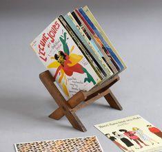 #vintagephotography #vintagedecor #displaystand #shopdecor #antiques