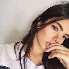 Image about girl in Poses para fotos by sweet creature Tumblr Selfies, Selfie Poses, Girl Inspiration, Tumblr Girls, Photo Poses, Girl Photos, Photography Poses, Makeup Looks, Hair Makeup