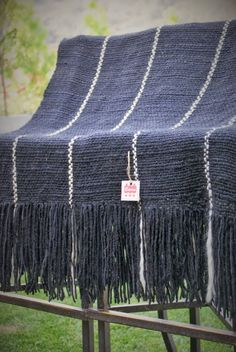 Mantas tejidas a telar con lana de oveja el proceso de for Alfombras redondas chile