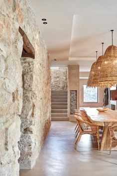 Gallery of Grande House / Lado Blanco Arquitecturas - 3 Image 3 of 29 from gallery of Grande House / Lado Blanco Arquitecturas. Future House, Interior Architecture, Interior And Exterior, Exterior Paint, Exterior Design, Natural Interior, Stone Houses, Home Fashion, My Dream Home