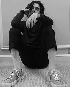 Timothée Chalamet photographed by Romain Sellier for Le Monde Beautiful Boys, Pretty Boys, Beautiful People, Pretty Men, Liam Payne, Harry Styles, Timmy Time, Bellatrix Lestrange, Regulus Black