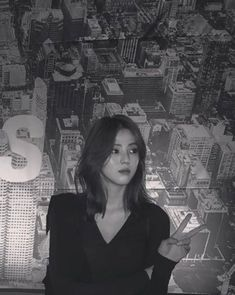 Girl Short Hair, Short Hair Cuts, Medium Hair Styles, Curly Hair Styles, Light Blue Aesthetic, Shot Hair Styles, Ulzzang Korean Girl, Star Girl, Cartoon Wallpaper