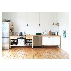 """865 次赞、 27 条评论 - Swantje Hinrichsen (@swantjeundfrieda) 在 Instagram 发布:""""Guten Morgen aus der Küche - heute mal die gesamte Modulküchenzeile ✌️ #modulküche #kitchen…"""""""