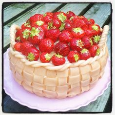 Anny's cake Raspberry, Strawberry, Fruit, Cake, Food, Food Cakes, Eten, Raspberries, Strawberry Fruit