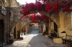 Old town Rhodes island, Greece Best Greek Islands, Greece Islands, Cool Places To Visit, Places To Travel, Greece Rhodes, Faliraki Rhodes, Myconos, Places In Greece, Greek Isles