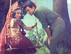 Asha Parekh and Dharmendra in Mera Gaon Mera Desh. Indian Actresses, Actors & Actresses, Asha Parekh, Play Quiz, Story Titles, Vintage Bollywood, Home Movies, Indian Movies, Linkin Park