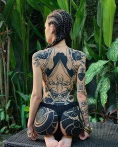 Tittybutt or buttboob - tatoo feminina Back Tattoos, Hot Tattoos, Body Art Tattoos, Girl Tattoos, Sleeve Tattoos, Small Tattoos, Tattoo Neck, Full Body Tattoo, Forearm Tattoos