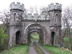 Close to Brae of Monzie, Crieff, Perthshire – architecture Castle Gate, Castle Ruins, Medieval Castle, Scotland Castles, Scottish Castles, Old Buildings, Abandoned Buildings, Abandoned Castles, Abandoned Places