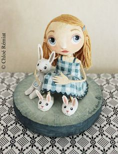 Alice et ses chaussons lapins by chloeremiat on Etsy