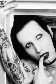 Marilyn Manson in the fridge ,,,,,,,,,,soooo hot sexy