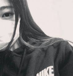 Images and videos of ulzzang girl icons Korean Girl Photo, Korean Girl Fashion, Cute Fashion, Ulzzang Korean Girl, Ulzzang Couple, Mascara Kpop, Girl Pictures, Girl Photos, Piercings For Girls