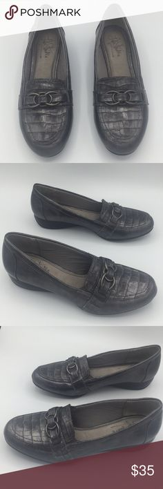 5d5df02473ab Life Stride Slip-On Loafer Gray Croco Print Size 7