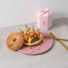 #burger #meat #love #2019 #best #food #porn #yummy #ladybutcher #butcher Burger Meat, Bagel, Doughnut, Food Porn, Restaurant, Bread, Desserts, Tailgate Desserts, Deserts