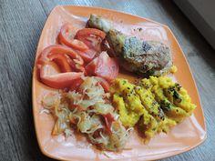 Bylinkové kuře, bramborovo dýňová kaše s česnekem, petrželkou a lněným semínkem,čalamáda, rajče, paprika