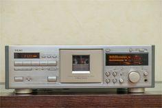 TEAC V-7000 stereo cassette deck