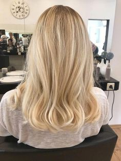 11 Amazing Examples of Black Cherry Hair Colors in 2019 - Style My Hairs Honey Blonde Hair, Blonde Hair Looks, Blonde Hair With Highlights, Blonde Balayage Honey, Black Cherry Hair, Blonde Hair Inspiration, Lavender Hair, Balayage Hair, Gorgeous Hair