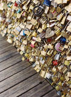 Love Locks in Paris | Photography: Sansaara Photography