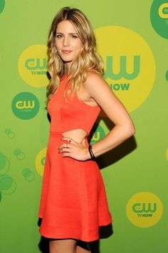 Emily Bett Rickards Photos - Actress Emily Bett Rickards attends The CW Network's New York 2013 Upfront Presentation at The London Hotel on May 2013 in New York City. - Celebs Arrive at the CW Upfront Event in NYC Emily Bett Rickards, Blonde Actresses, Hot Actresses, Beauty Full Girl, Beauty Women, Hottest Female Celebrities, Celebs, Felicity Smoak, Canadian Actresses