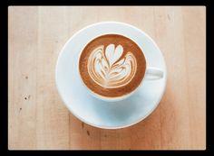 Sumérgete en la experiencia y disfruta el mejor café  Conócenos en el C.C. Metrocenter pasaje colonial. #AromaDiCaffé #SaboresAroma #MomentosAroma #Café #Coffee #CoffeeLovers #CoffeeMoments #CoffeeTime