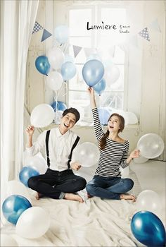 stripe t-shirts and white shirt and jeans in Korea pre wedding photo shoot. Always love the Simplicity of Korean pre wedding photoshoot. Pre Wedding Shoot Ideas, Pre Wedding Poses, Pre Wedding Photoshoot, Wedding Couples, Wedding Pictures, Photoshoot Ideas, Korean Wedding Photography, Engagement Photography, Photography Ideas