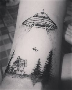 Tatto for my girl  @mileydybarajas  #tattooing  #Tatto #alien #ufotatto #blacktatto #tatuaje  #abducion